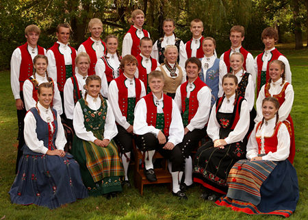 Group in traditional Norwegian costumes